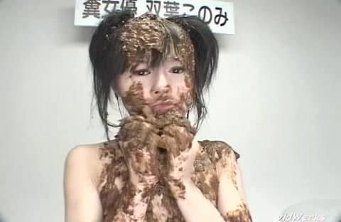 Babyface Japanese scat girl messy shit smearing and eating xxx porn movie