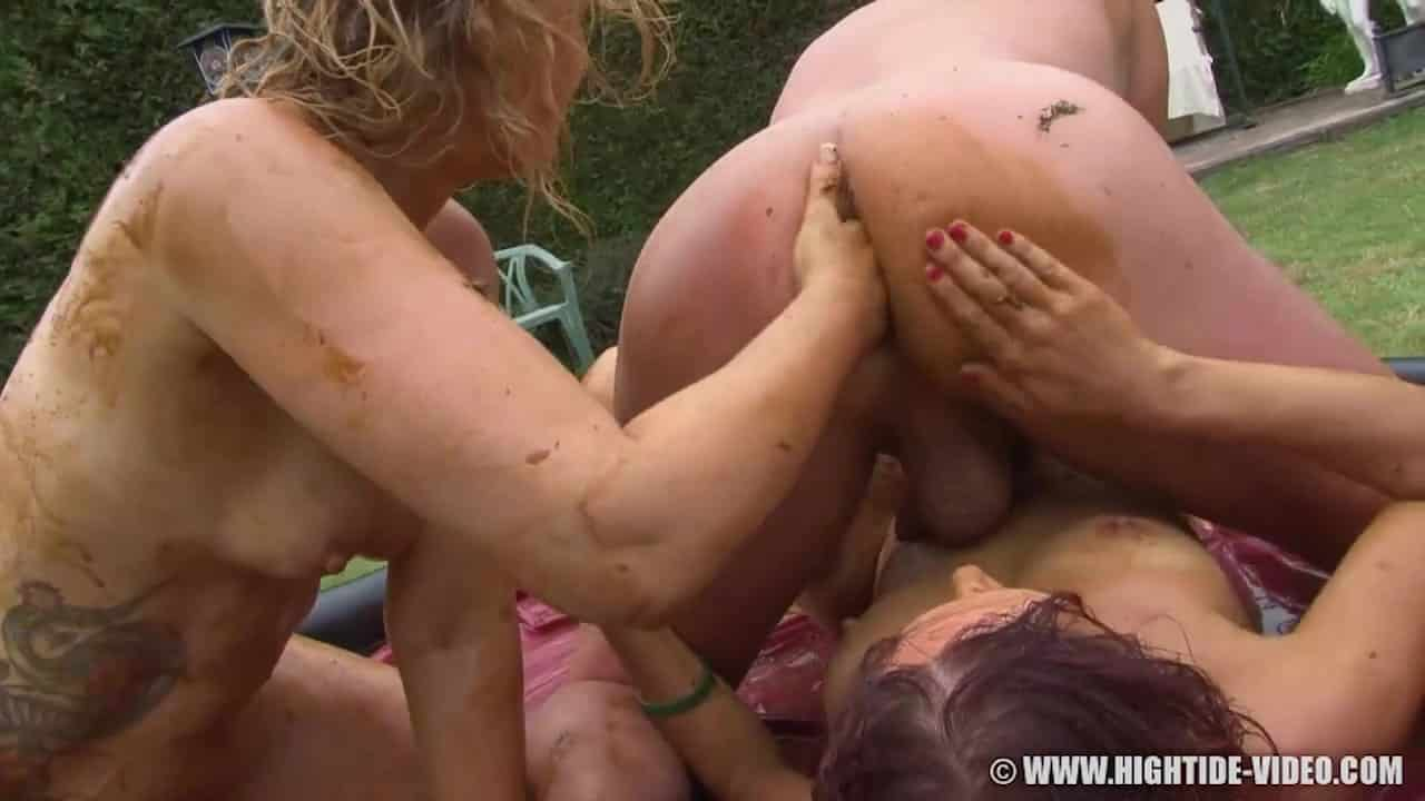 Girls Are Getting Crazy With Shit Eating In Messy Scat Xxx -2533