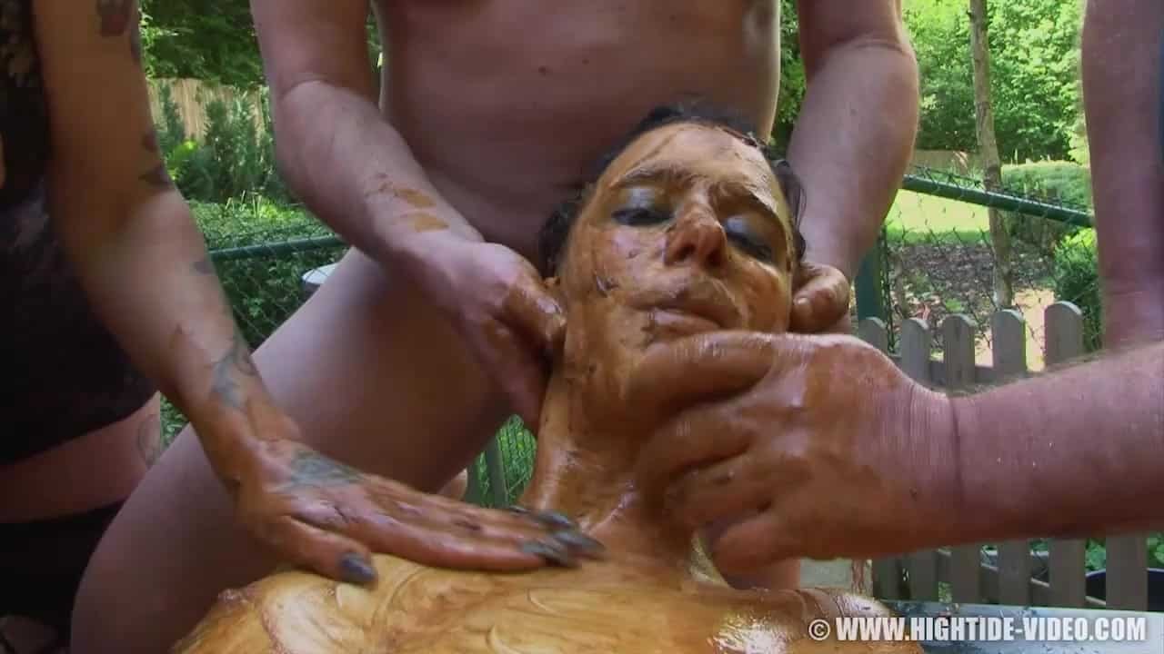 Extreme Scat Slut Betty Eating a Lot Of Shit And Covers Her Body